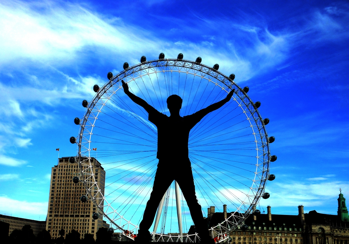 Vitruvian Man center of the London Eye
