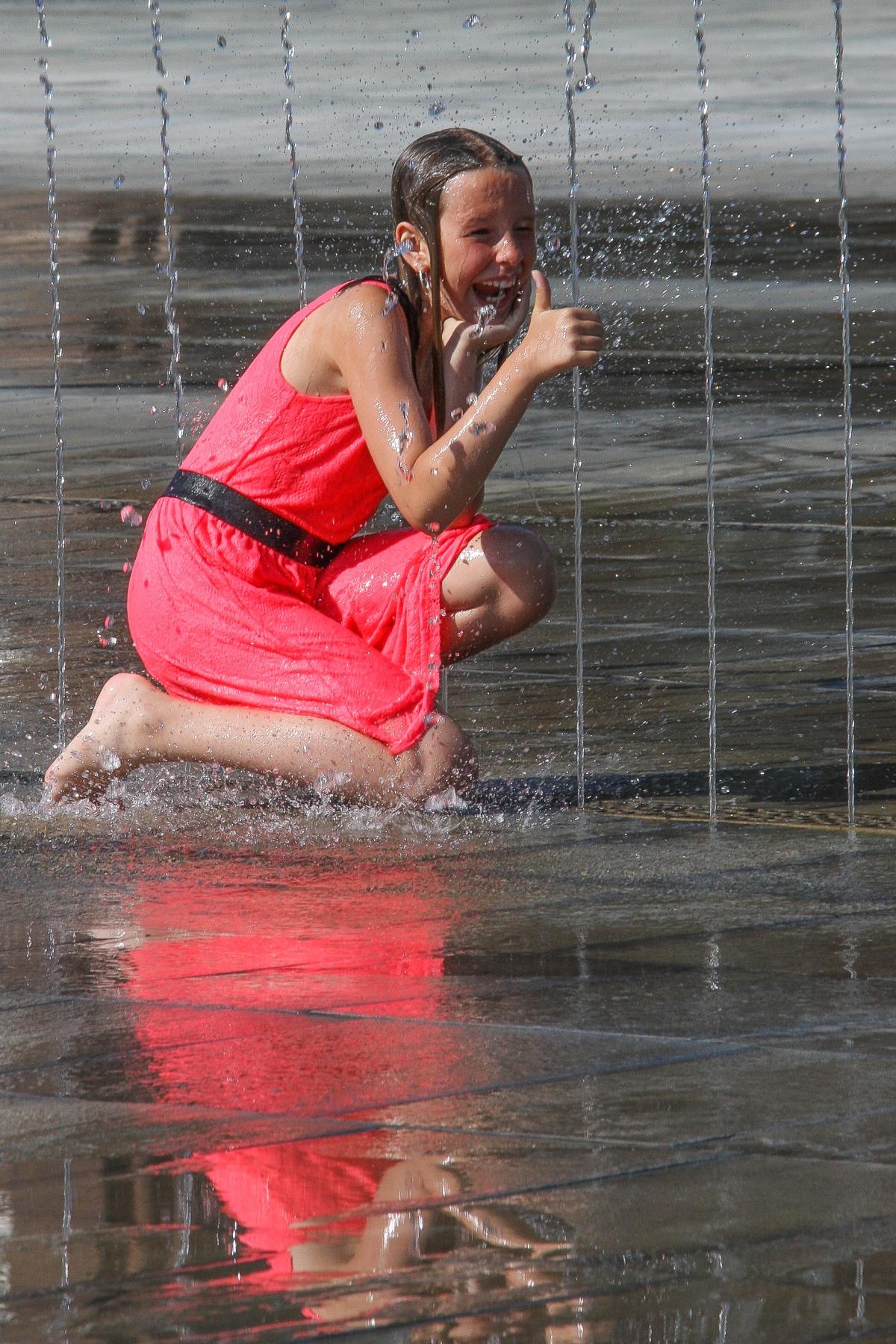 fountain-girl-panty