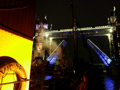 VIC 56 passing under Tower Bridge for the 1513 opera