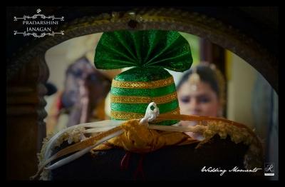 Tamil Wedding Couple in Kovil