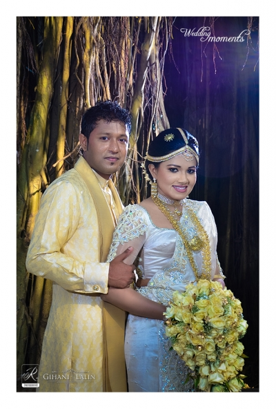National Dressed Sri Lankan Couple