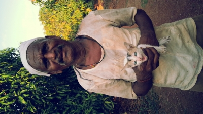Sabu with kitten, Pinky